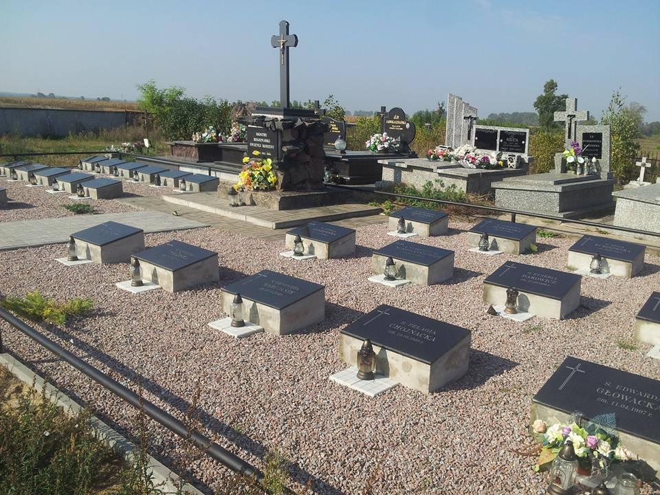 Radzanów. Cmentarz Sióstr Misjonarek Św. Rodziny